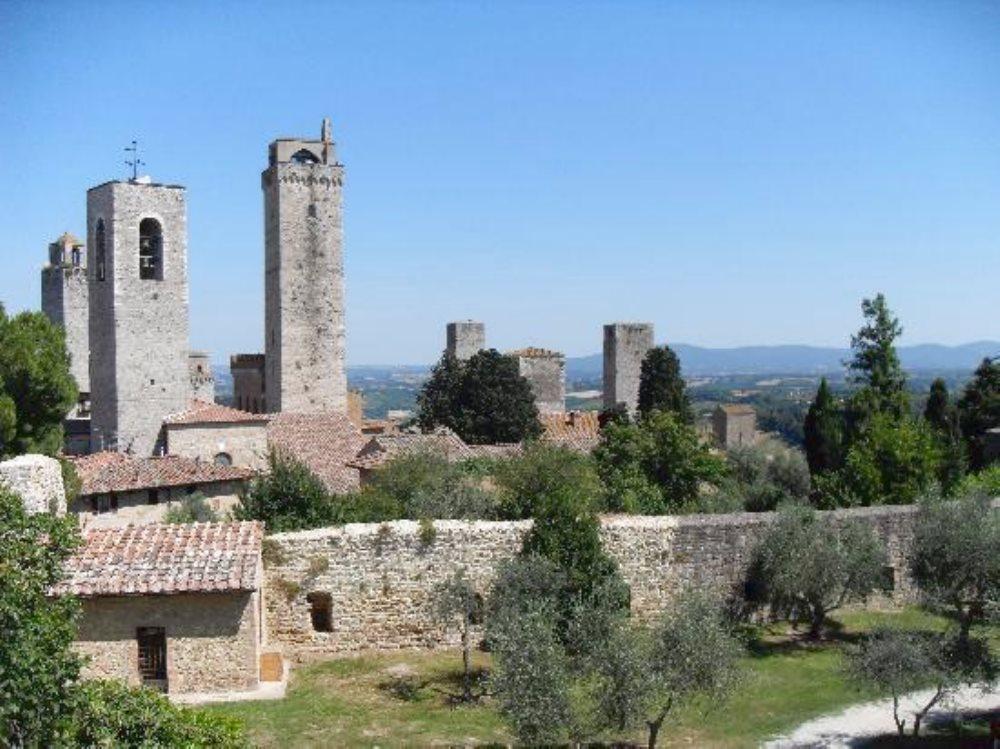 Le Mura Di San Gimignano La Storia Della Città San Gimignano Siena Toscana Castel Sangimignano Vacanze