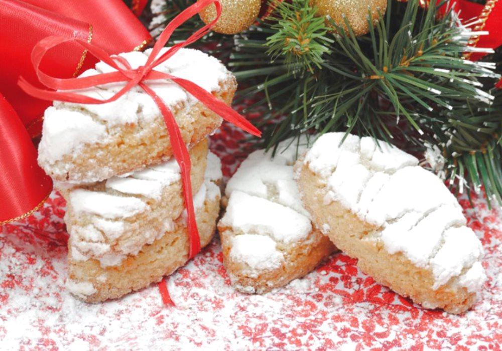 RICCIARELLI E PANFORTE DI SIENA Dolci tipici toscani per il tuo Natale